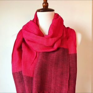 NWOT Two-tone red scarf